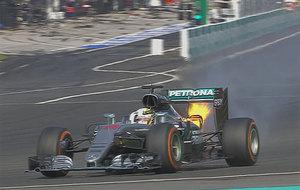 El Mercedes de Hamilton, con fuego