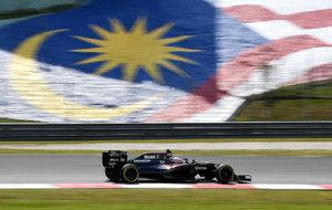 Alonso, con el McLaren en Sepang