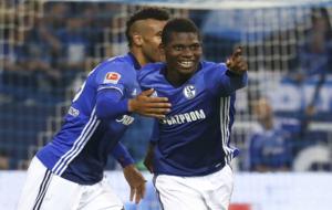 Embolo celebra uno de sus dos goles al M�nchengladbach.