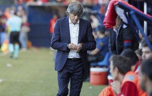 Enrique Mart�n durante el partido frente a Las Palmas.
