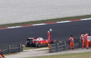 Vettel abandona su Ferrari en la primera vuelta del Gran Premio de...