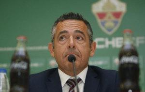 Diego Garc�a comparece ante los medios de comunicaci�n