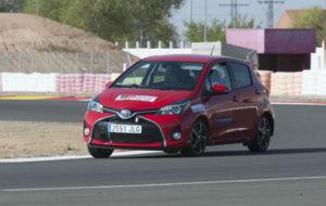 Un Toyota Yaris participa en las 24 Horas Híbridas de Toyota en el...