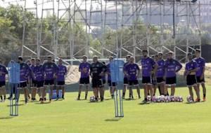 Herrera, al frente de una sesi�n de entrenamiento con sus jugadores