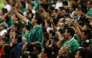 Aficionados de M�xico durante un partido.
