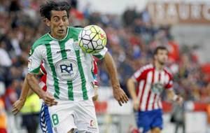 Pedro R�os, con gesto de concentraci�n, en el partido del a�o...