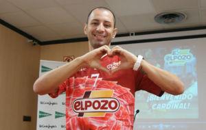 Cardinal, en su presentaci�n como jugador de ElPozo Murcia.