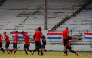 Los jugadores de Estados Unidos entrenando en La Habana.