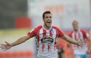 Joselu celebra uno de los dos goles que le marc� al Mallorca