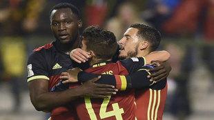 Los jugadores de Bélgica celebran uno de sus goles.
