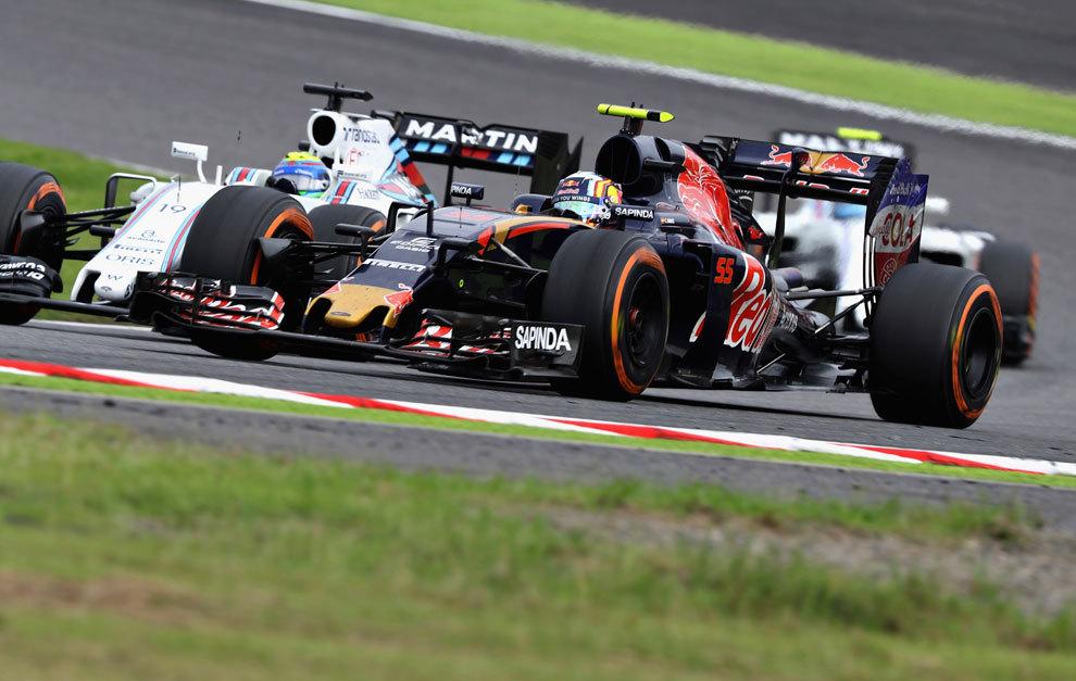 Sainz, luchando con el Williams de Massa