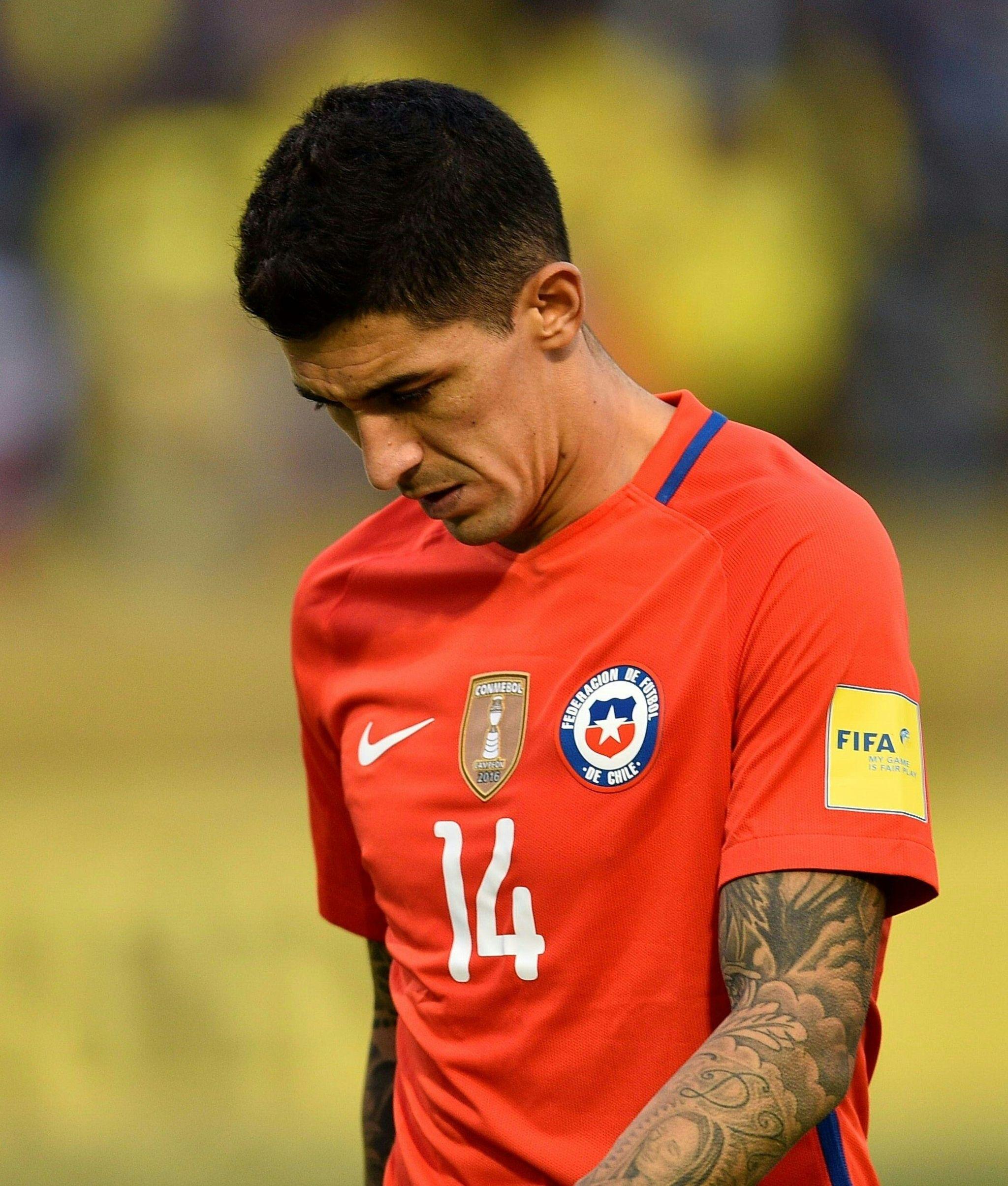 Tucu Hernández se marcha del campo lesionado durante el Ecuador -...