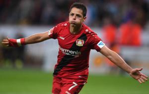 Javier Hern�ndez 'Chicharito' celebrando un gol con el...