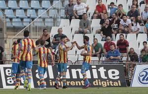 Los jugadores del Levante celebran el primer gol ante el Almer�a