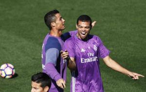 Cristiano y Pepe en un entrenamiento