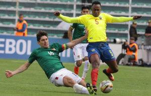 Lance del duelo entre Bolivia y Ecuador.