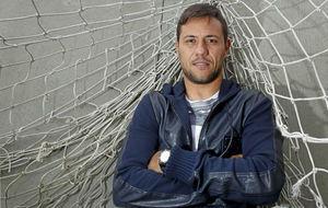 Diego Alves posa para MARCA
