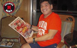 Maradona posa para MARCA en la entrevista exclusiva con este diario.