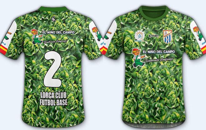 Así es el diseño de la camiseta con lechugas del Lorca Club.