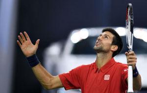 Djokovic da gracias al cielo