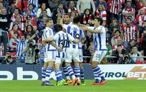 La Real celebra un gol ante el Athletic.