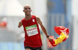 Abderrahman Ait cruzando la meta en los Juegos Paralímpicos de Río