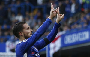 Hazard su gol al Leicester.