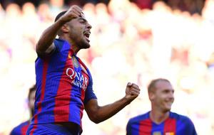 Rafinha celebra el segundo gol que le marc� al Deportivo.