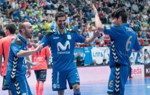 Ricardinho, Humberto y Daniel celebran uno de los goles del Movistar...