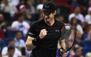 Andy Murray durante la final de Shang�i ante Roberto Bautista.