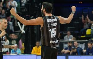 �lex Mumbr� durante su partido con el Bilbao Basket ante el...