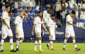 Los jugadores del Mallorca, desolados tras encajar el segundo gol...