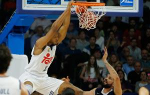 Randolph machando el aro del UCAM Murcia