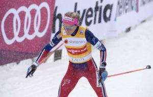 Therese Johaug durante una competici�n de Skiathlon en Finlandia.