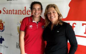 Beatriz Espelos�n y Raquel Carriedo, durante la presentaci�n del...