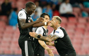 Aboubakar celebra un gol al N�poles.