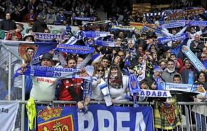 Aficionados del Real Zaragoza la pasada temporada en Mendizorroza