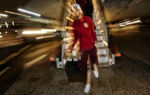 Yannick Carrasco llegando a Madrid tras el partido en Rostov