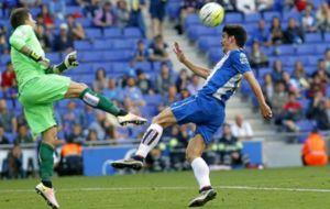 Gerard Moreno, ante Irureta, la temporada pasada ante el Eibar.