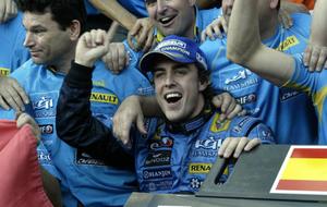 Alonso, celebrando en Interlagos la su segundo t�tulo mundial