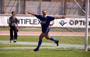 Mel celebra uno de los tres goles que salvaron al Getafe ante el...