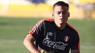 Benavente, durante un entrenamiento con la selección peruana.