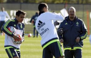 Ben�tez y Pecchia dialogan con Cristiano en su etapa en el Real...