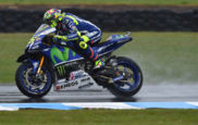 Valentino Rossi (Yamaha) ayer durante los entrenamientos libres del...