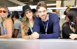 Pau Gasol poses with Catherine McDonnell