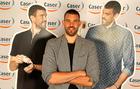 Marc Gasol posando en un acto publicitario de Caser