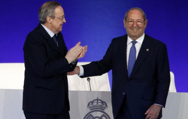 Florentino aplaude a Gento frente a los socios compromisarios