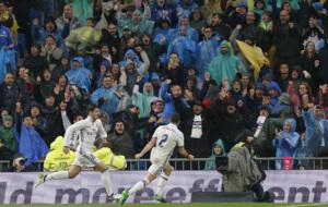 Morata corre celebrando el gol de la victoria para el Real Madrid.
