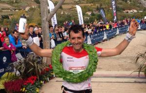 Miguel Heras, a su entrada en meta como ganador.