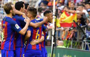Neymar celebra el gol de Messi dirigi�ndose a Mestalla